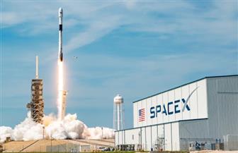 «سبيس إكس» تطلق 60 قمرا صناعيا