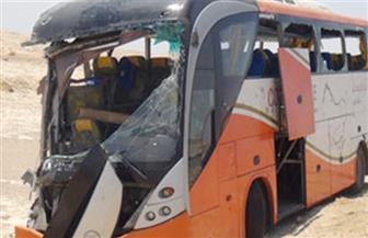 مصرع 5 أشخاص وإصابة 52 آخرين في حادث على طريق (قنا- سوهاج) الصحراوي