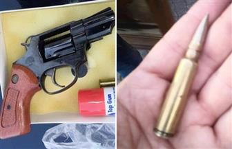 ضبط سلاح ناري و5 أسلحة بيضاء داخل حاوية بميناء الدخيلة بالإسكندرية |صور