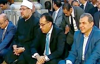 نيابة عن الرئيس السيسي.. رئيس الوزراء يؤدي صلاة الجمعة الأخيرة من رمضان بالحسين