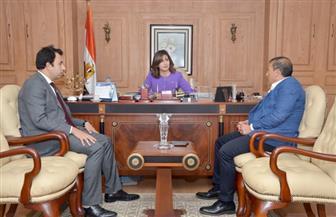 وزيرة الهجرة تستقبل رئيس غرفة الشركات السياحية لبحث توفير عروض للمصريين بالخارج خلال إجازاتهم |صور