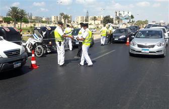 سيارات دفع رباعي وإغاثة مرورية على الطرق لمنع الزحام خلال رمضان | صور