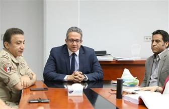 وزير الآثار يلتقي العاملين وممثلي التحالف المسئول عن الخطة الاستثمارية لمشروع المتحف المصري الكبير|صور