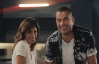 عمرو دياب ودينا الشربيني يرقصان في موسم الرياض | فيديو