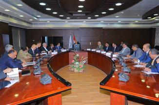 وزير النقل: توفير قطع الغيار من الشركات الأجنبية والعمرات بورش السكك الحديدية