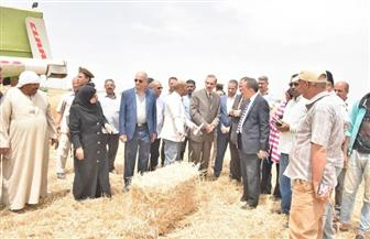 محافظ أسيوط يتفقد 1100 فدان أراضي استصلاح زراعي بالقوصية.. ويؤكد أهمية الاستفادة من التجارب الناجحة| صور