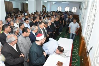 تشييع جثمان الشهيد النقيب عمر ياسر في جنازة عسكرية بالشرقية |صور