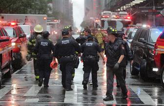 حاكم نيويورك: تحطم مروحية حاولت الهبوط على سطح مبنى في مانهاتن | صور