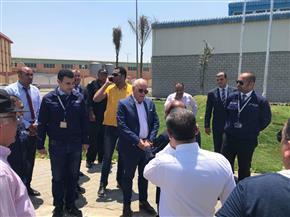 محافظ بورسعيد يتفقد مشروع مصانع الشباب بالمنطقة الصناعية