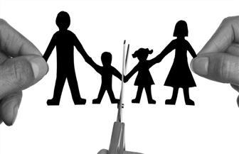 """حرمان الأب الممتنع عن نفقة الزوجة من الخدمات الحكومية يثير الجدل.. وقانونيون: """"غير دستوري"""""""