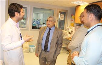 وفد من جامعة طنطا يزور فرع مستشفى 57357 ويوزع هدايا على النزلاء | صور
