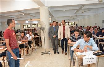 نائب رئيس جامعة أسيوط يتابع سيرامتحانات نهاية العام الجامعي| صور