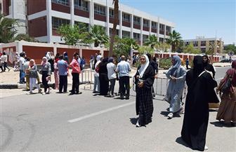 صراخ وبكاء هيستيري لصعوبة امتحان اللغة الإنجليزية بجنوب سيناء | صور