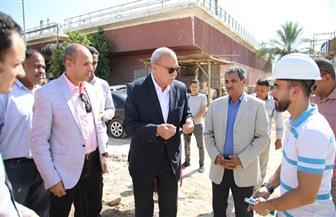 لجنة من شركة مياه الشرب والصرف الصحي لحل أزمة انقطاع مياه الشرب بعض قرى قنا| صور