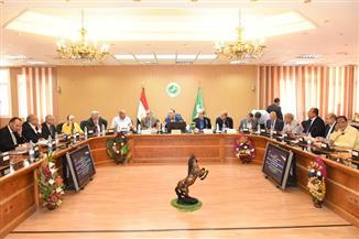 محافظ الشرقية يجتمع مع أعضاء مجلس النواب لبحث مشكلات دوائرهم   صور