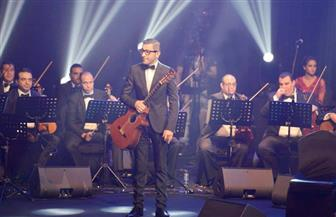 وحيد ممدوح يشارك في عيد الموسيقى العالمي بأوبرا دبي للمرة الأولى | صور
