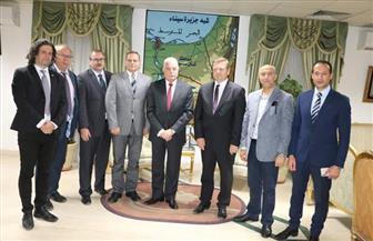 محافظ جنوب سيناء يستقبل وفدا برلمانيا تشيكيا.. ورئيس الوفد يؤكد اطمئنانه للأمن في شرم الشيخ | صور