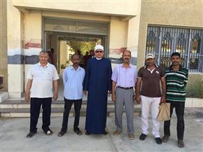 رئيس منطقة البحر الأحمر الأزهرية يتابع امتحانات الشهادة الثانوية بمرسى علم