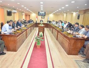 محافظ أسيوط يترأس اجتماع مجلس إدارة المناطق الصناعية