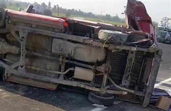 مصرع شخص وإصابة اثنين في حادث انقلاب سيارة نقل بالفرافرة