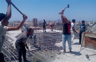 حملة لإزالة عقار مخالف بمحرم بك وسط الإسكندرية
