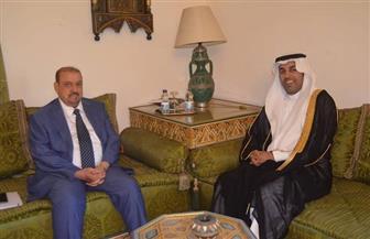 رئيس البرلمان العربي يجتمع مع رئيس مجلس النواب اليمني في القاهرة