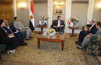 وزارة التعليم العالي تبحث التعاون العلمي والتعليمي مع السفير الأسترالي بالقاهرة | صور