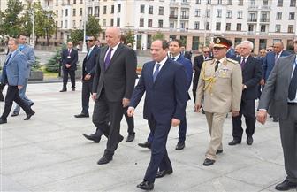 الرئيس السيسي يصل إلى ساحة النصب التذكاري بالعاصمة البيلاروسية مينسك