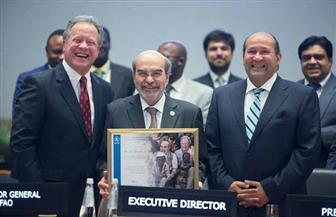 """سفير مصر في روما يكرم مدير عام منظمة """"الفاو"""""""