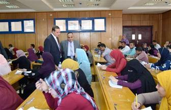 رئيس جامعة سوهاج يتفقد امتحانات الدبلومة العامة والتأهيل التربوى بكلية التربية | صور