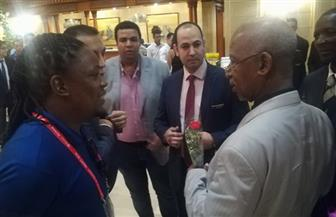 نائب محافظ السويس يستقبل بعثة منتخب مالي بمنطقة السخنة | صور