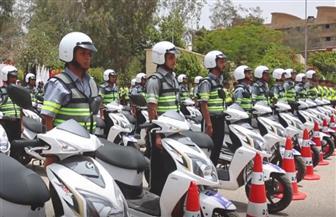 """""""الداخلية"""" تستعين بمجندين من حملة المؤهلات العليا لتنظيم حركة المرور   فيديو"""