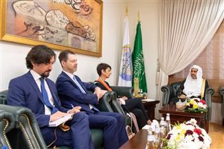 أمين رابطة العالم الاسلامى يلتقى مبعوثة الحكومة الإسبانية بالرياض