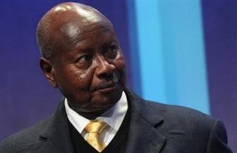سفير مصر في كمبالا يشارك في مراسم تنصيب الرئيس الأوغندي