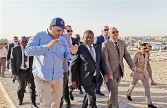رئيس موزمبيق يزور الأهرامات | صور
