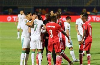 الجزائر تحسم الشوط الأول أمام كينيا بثنائية نظيفة