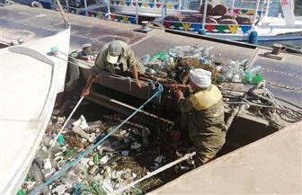 حملة لتنظيف نهر النيل من القمامة والمخلفات بالأقصر  صور