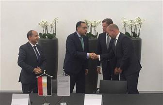 رئيس الوزراء يكشف تفاصيل التعاون مع شركة مرسيدس العالمية | صور وفيديو
