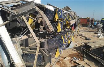 مصرع 3 مواطنين وإصابة 16 آخرين في حادث انقلاب أتوبيس بالصحراوي الغربي بقنا | صور