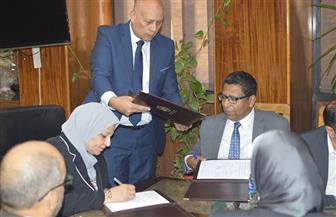 المصرية لنقل الكهرباء توقع عقدين مع شركة سيمنس   صور