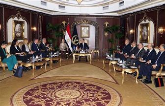 وزير الداخلية يناقش سبل تبادل المعلومات مع مفوض الهجرة بالاتحاد الأوروبى