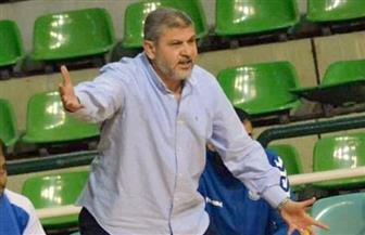 مدرب فريق السلة بالأهلي يجتمع مع الجهاز المعاون لوضع خطة إعداد الموسم الجديد