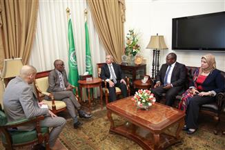 رئيس الأكاديمية العربية للنقل البحري يستقبل سفيري زامبيا ورواندا |  صور