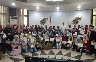 """صندوق تطوير المناطق العشوائية يكرم طلاب جامعة عين شمس لمشاركتهم في تجميل """"الأسمرات 3"""" و""""المحروسة"""""""