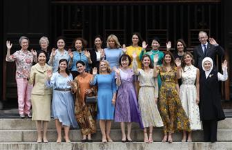 من هو الرجل الوحيد الذى شارك زوجات قادة قمة العشرين فى الصور التذكارية؟ | صور