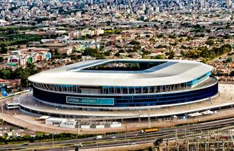 أرضية ملعب أرينا دو جريميو تفجر غضب مدرب البرازيل