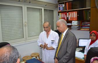 رئيس جامعة الإسكندرية يتفقد وحدة العناية المركزة للأطفال بمستشفى الشاطبي الجامعي| صور