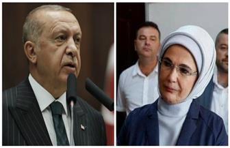 حقيبة زوجة أردوغان باهظة الثمن تثير غضب فقراء تركيا.. ومواطن: هل دفع الرئيس راتب 6 أشهر لشرائها؟