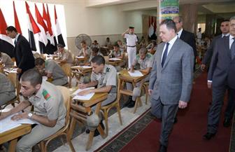 وزير الداخلية يتفقد لجان امتحانات طلبة كلية الشرطة | صور