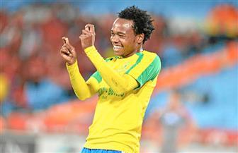 لاعب جنوب إفريقيا يطلب مساندة بلاده أمام المغرب